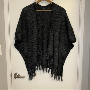 🌿American Eagle Soft Knit Poncho